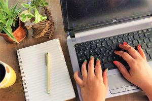 Example of hands of inexperienced resume writers